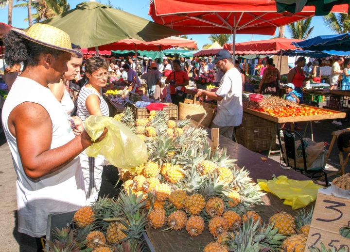 Le marché forain de Saint-Pierre